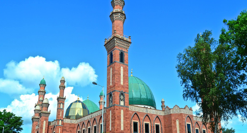 The two challenges facing British Muslims